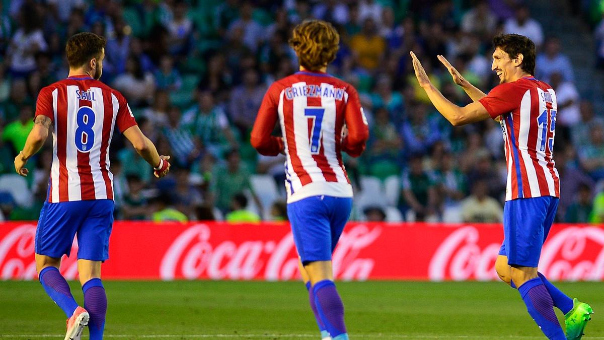Savic celebra su gol durante el Betis 1-1 Atlético