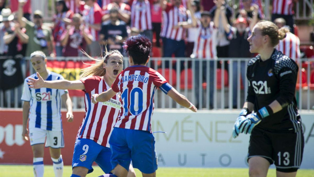 El Atlético Femenino celebra uno de los goles ante la Real Sociedad. (EFE)