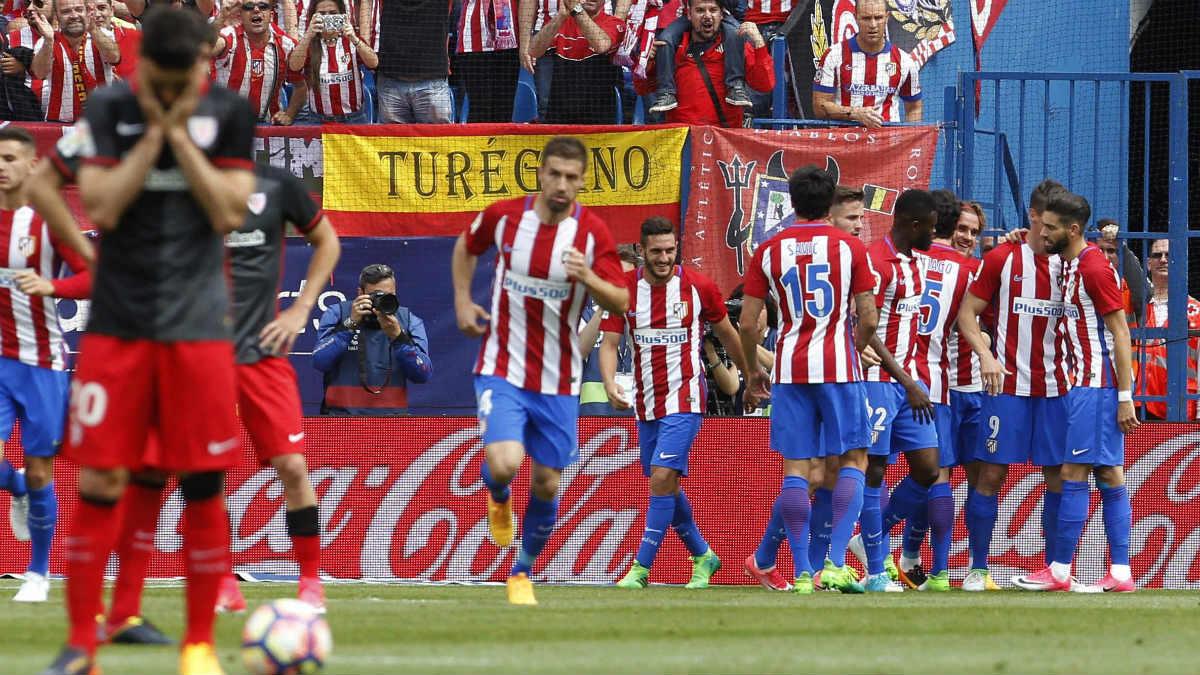 Torres despidió al Calderón con un doblete. (EFE)