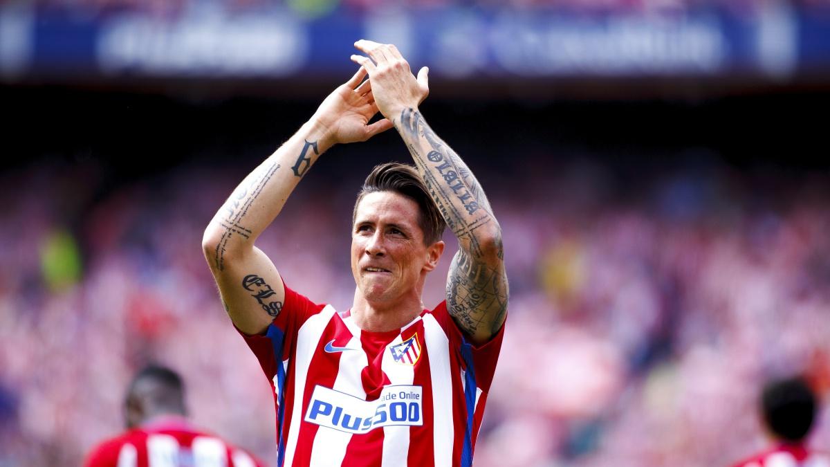 Fernando Torres aplaude al Vicente Calderón