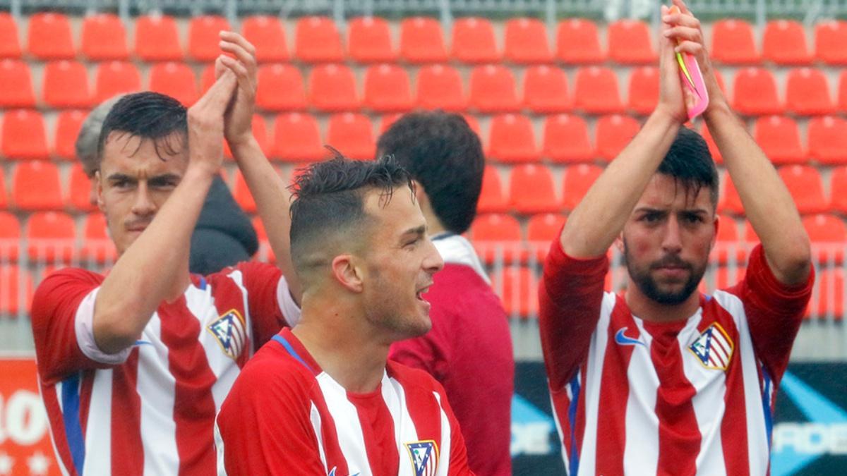 Los futbolistas del Atlético b después de remontar ante el Villaverde