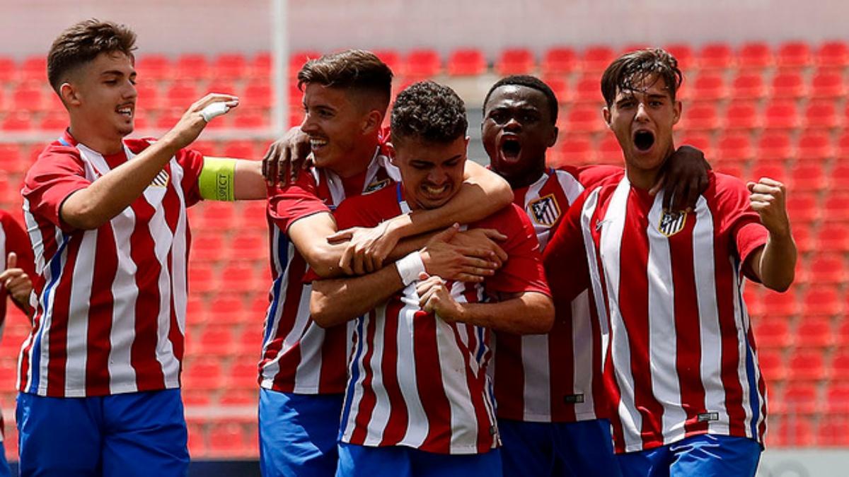 Los jugadores del Atlético Juvenil A celebran el 5-1 frente al Celta