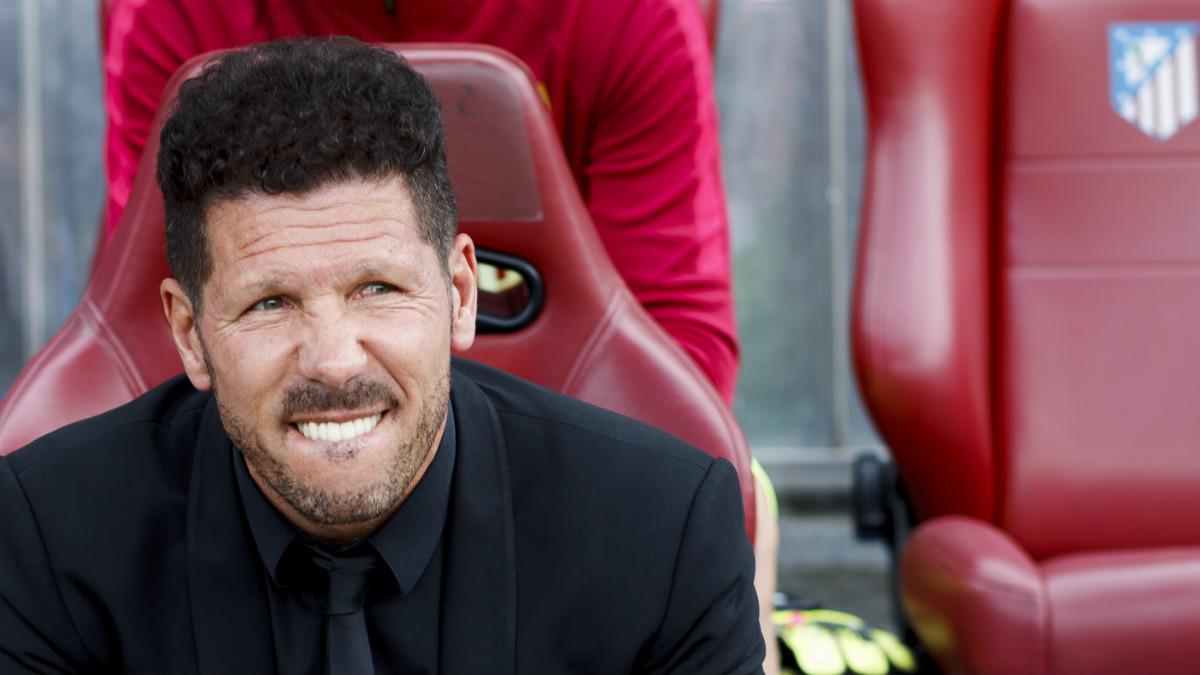 Simeone, en el banquillo del Calderón, durante un partido. (Getty)
