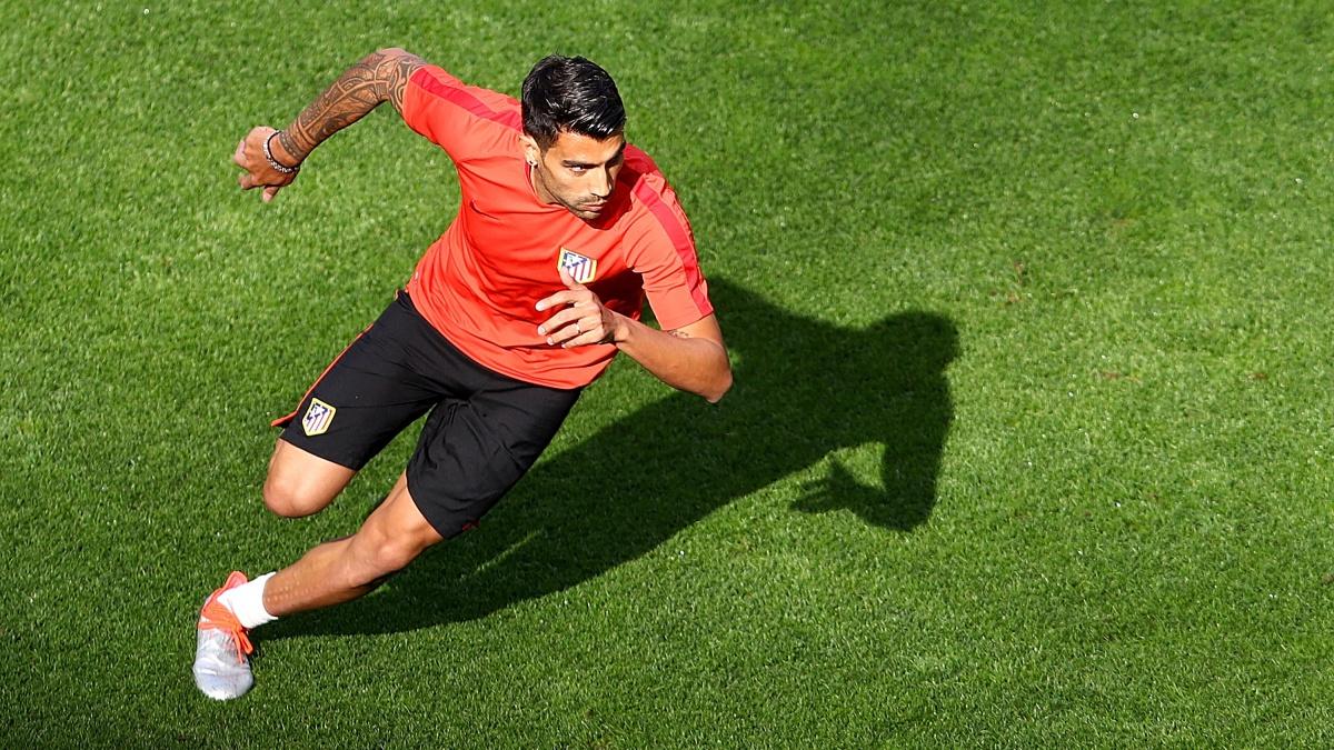 Augusto Fernández, durante un entrenamiento con el Atlético