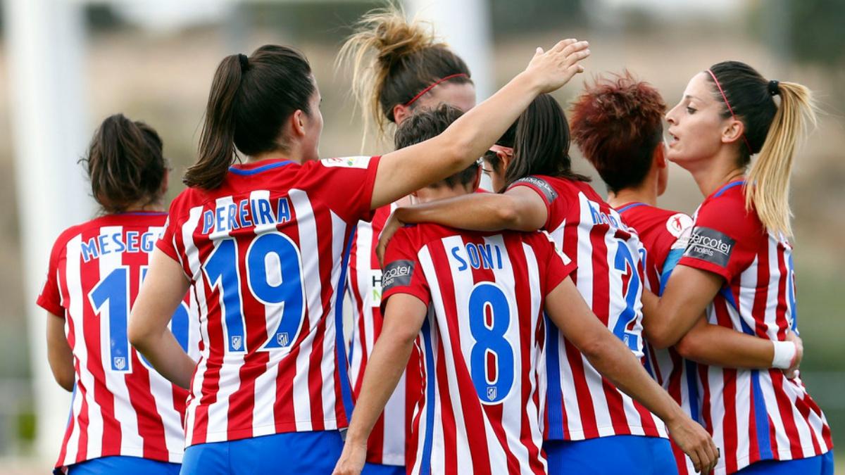Las jugadoras del Atlético Femenino celebran un gol frente al Granadilla