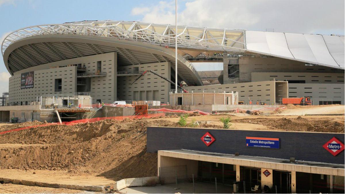 El metro del Wanda Metropolitano ya luce a los pies del estadio. (atleticodemadrid.com)