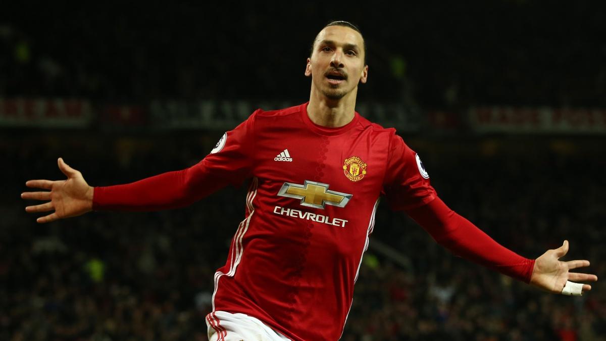 Zlatan Ibrahimovic celebra un tanto con el Manchester United