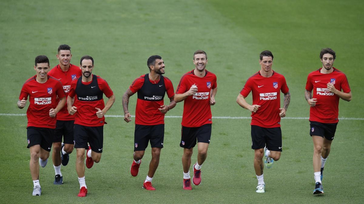 Los futbolistas del Atlético se ejercitan en Majadahonda