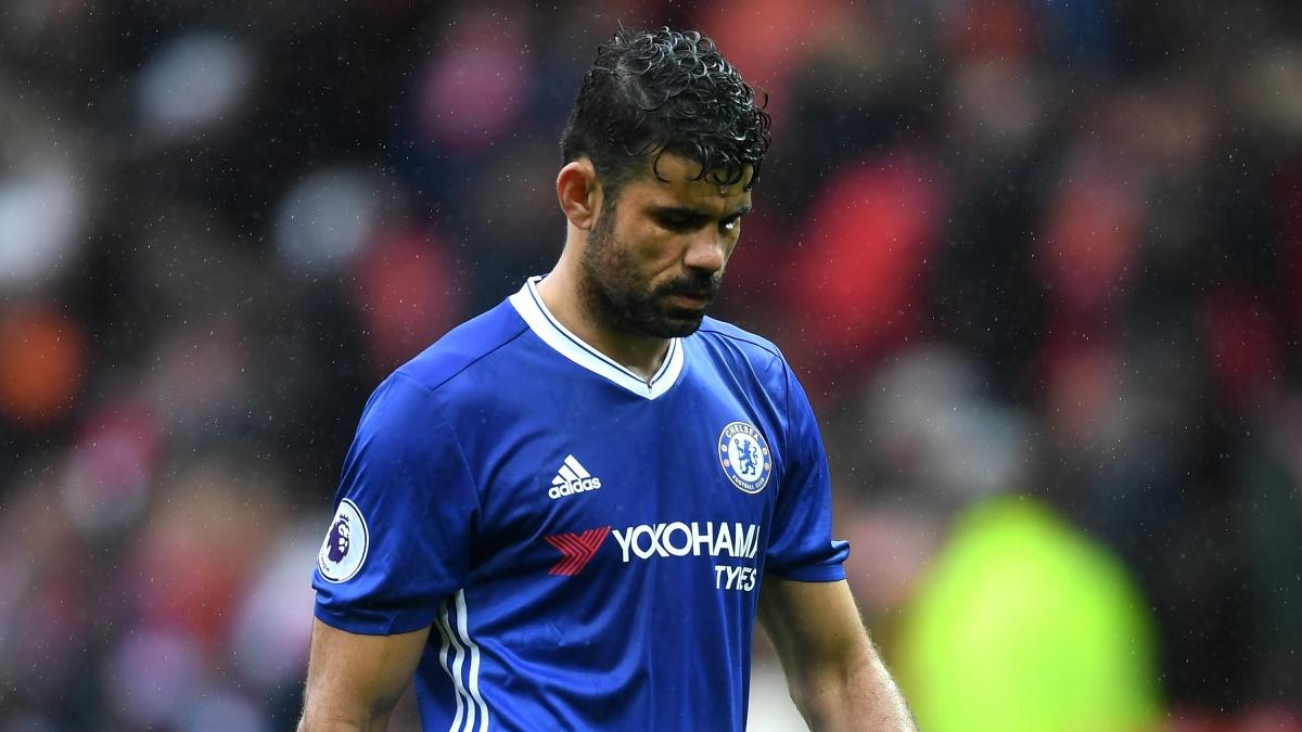 Diego Costa se lamenta tras fallar una ocasión con el Chelsea