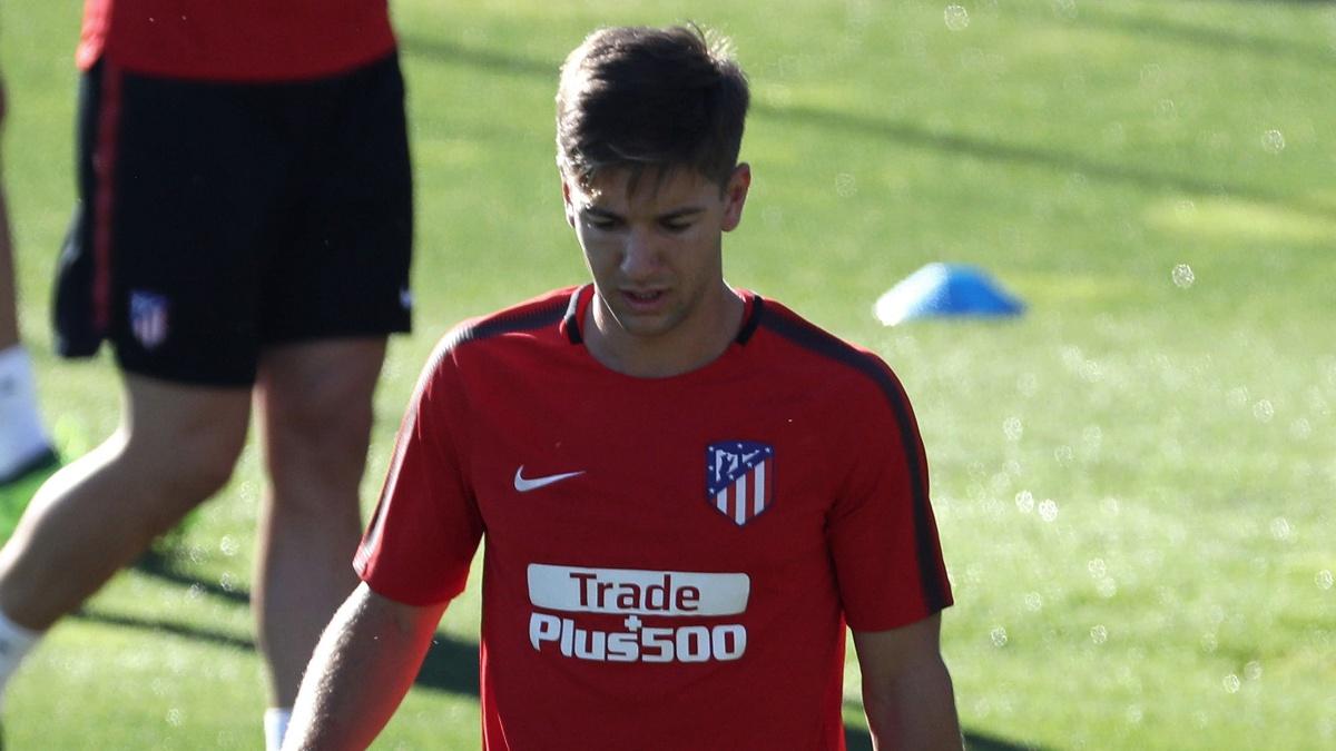 Luciano Vietto, durante un entrenamiento con el Atlético
