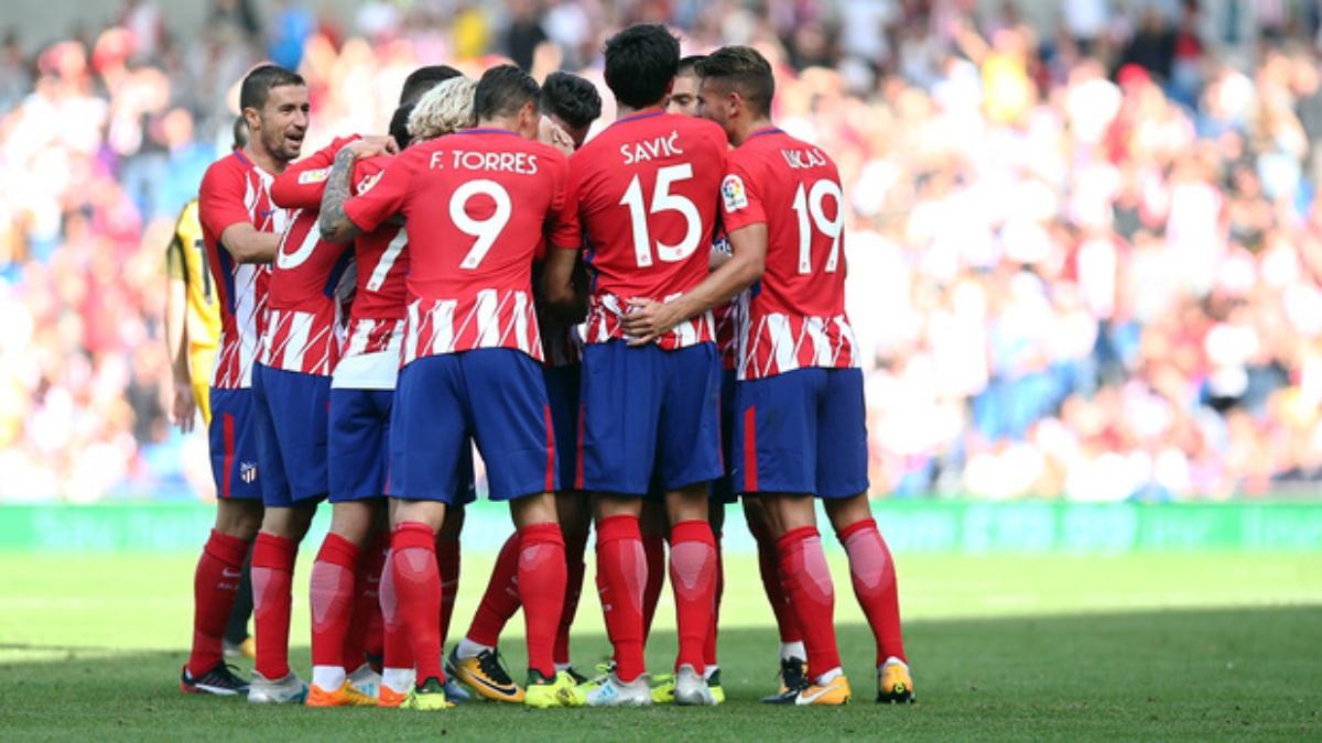 Los futbolistas del Atlético celebran uno de los goles frente al Brighton