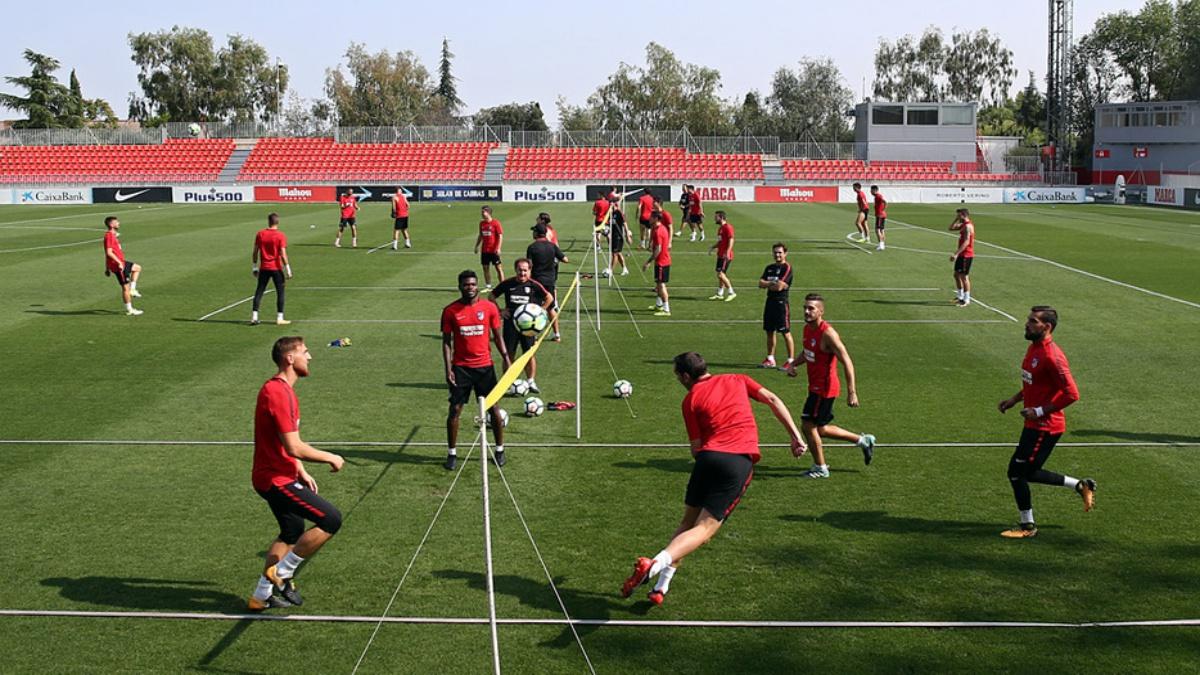 Los jugadores del Atlético entrenan en Majadahonda
