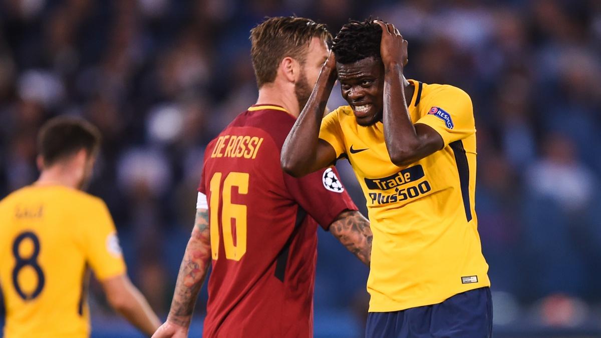 Thomas Partey se lamenta tras errar una ocasión durante el Roma – Atlético