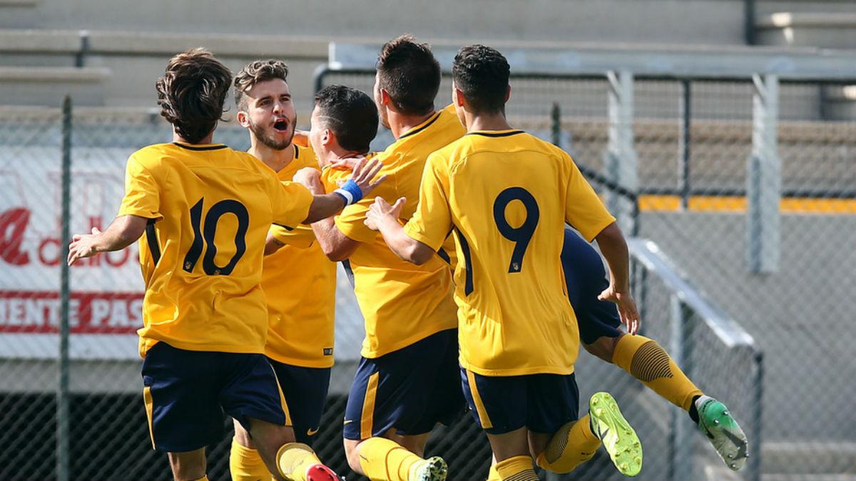 El Atlético juvenil celebra uno de los goles en Roma. (atleticodemadrid.com)