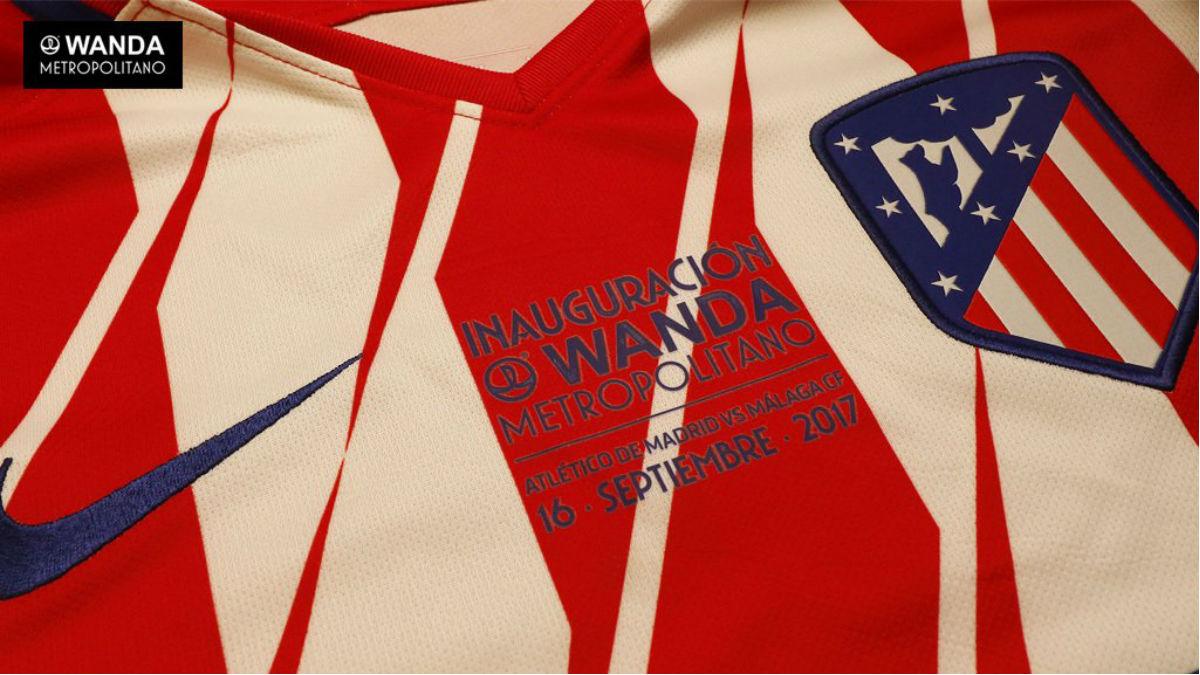 Esta será la camiseta que lleve el Atlético en el estreno del Metropolitano. (atleticodemadrid.com)