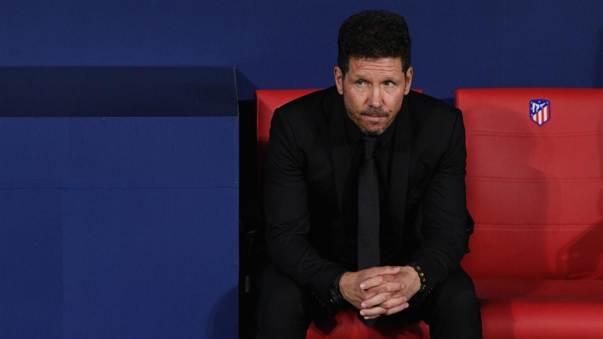 Simeone, en el banquillo durante el Atlético-Chelsea. (Getty)