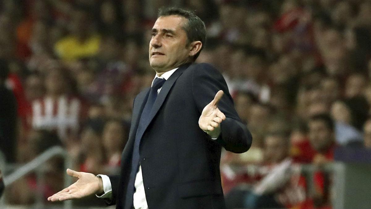 Ernesto Valverde durante el partido contra el Atlético. (EFE)