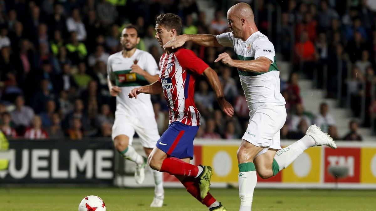 Luciano Vietto, en una acción del Elche 1-1 Atlético