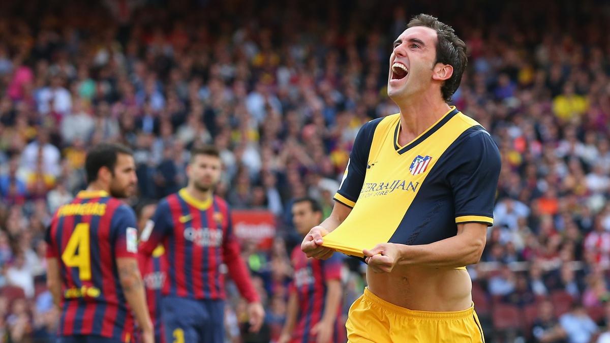 Diego Godín celebra su gol en el Camp Nou que le dio la Liga al Atlético