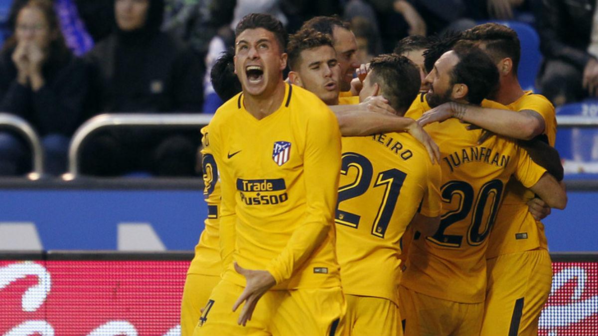 Giménez celebra el gol de Thomas ante el Deportivo. (atleticodemadrid.com)