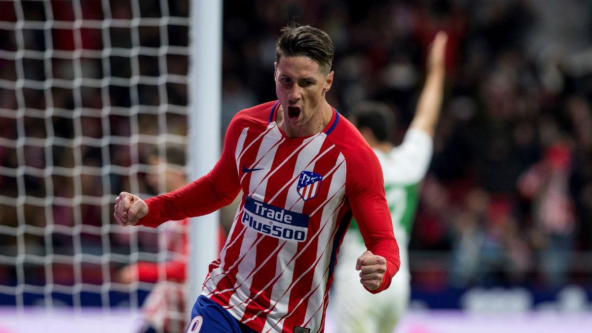Fernando Torres celebra su gol ante el Elche. (EFE)