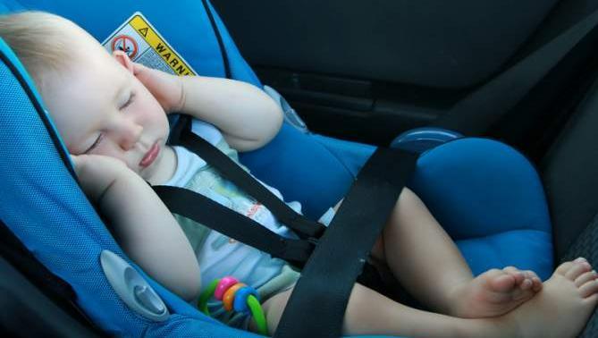Sistemas de retención infantil en el automóvil: normativa a tener en cuenta