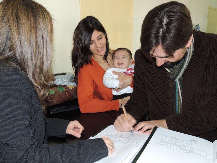 Inscribir al bebé en el Registro Civil y en el Ayuntamiento. Todo lo que necesitas saber