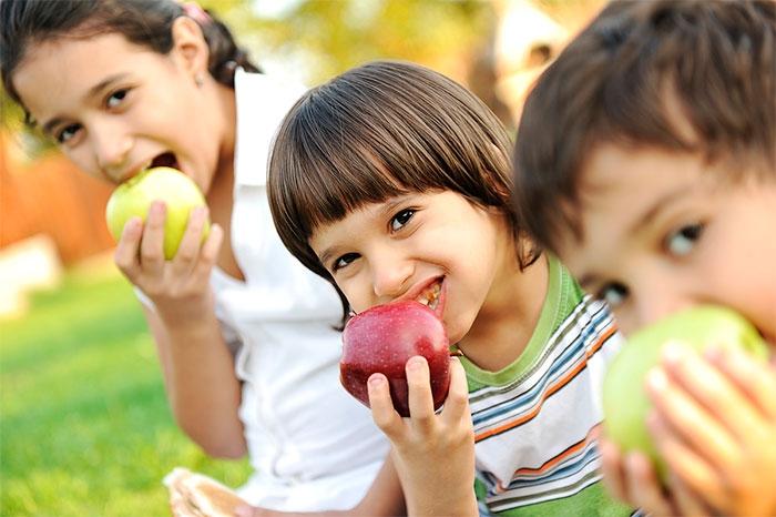 Los mejores alimentos para niños en el verano