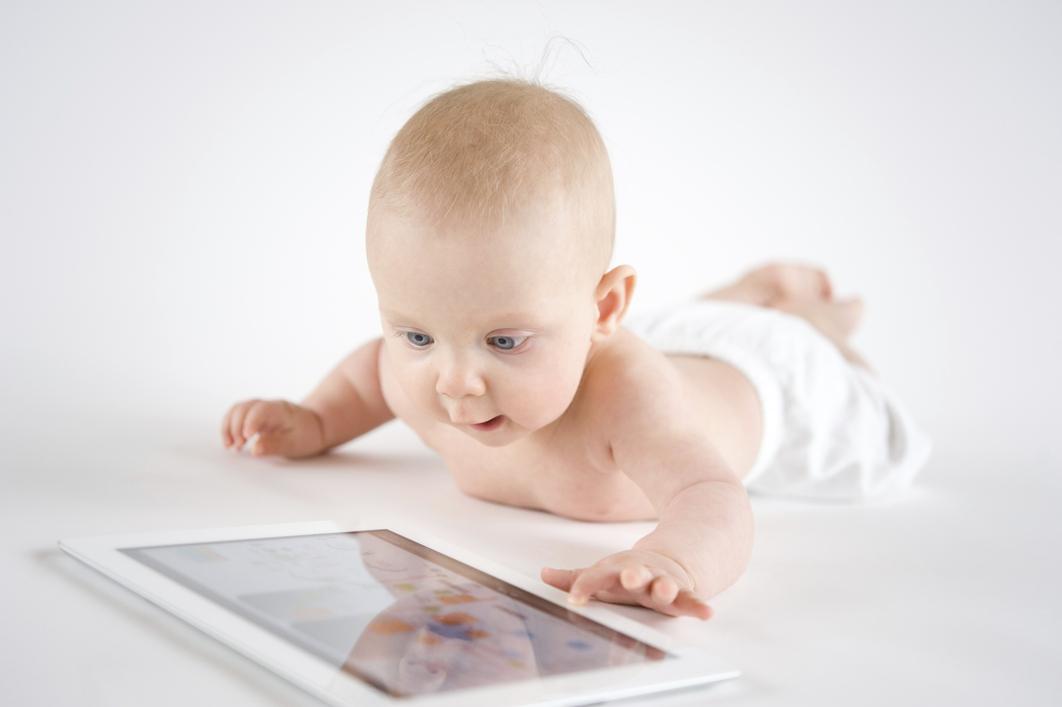 Un estudio británico establece las ventajas del uso de la tablet por los niños