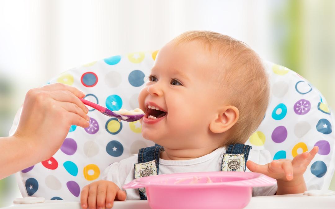 La alimentación complementaria, cambio crucial a los seis meses