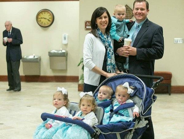 Una pareja tiene 5 hijos en 7 meses. ¡Para volverse loco!