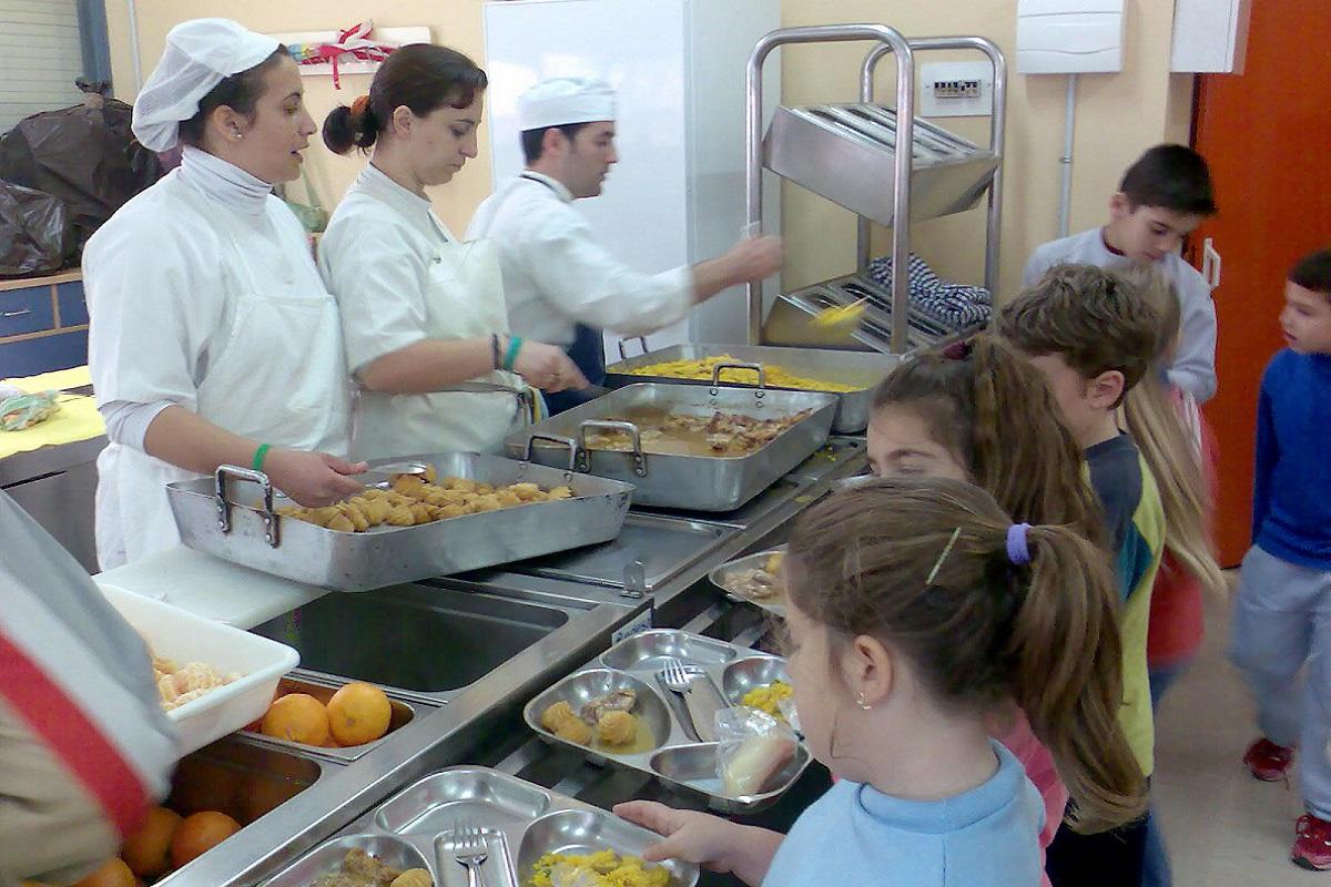 6 razones para dejar a los niños en el comedor del colegio