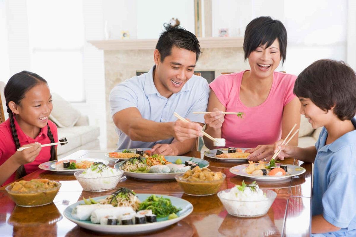 5 ventajas de que los niños coman en casa
