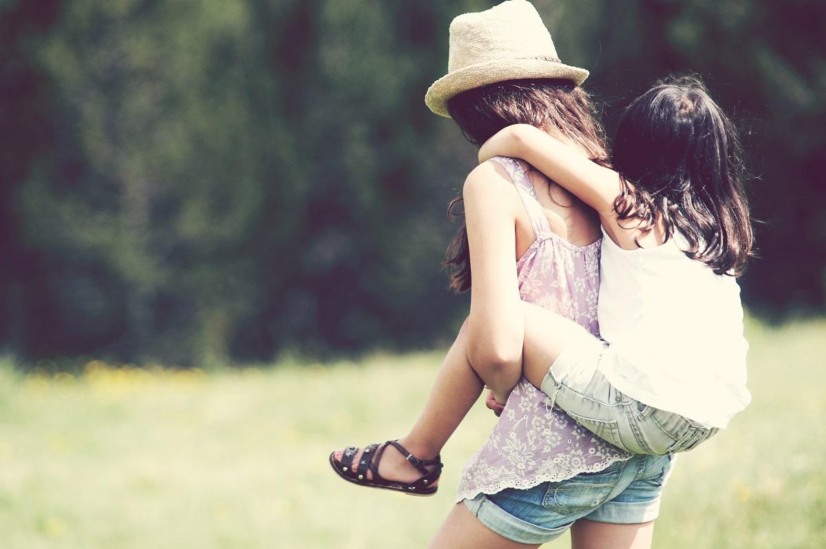 10 Cosas Que Pasan Cuando Eres La Hermana Pequena What does hermana mean in spanish? cosas que pasan cuando eres la hermana