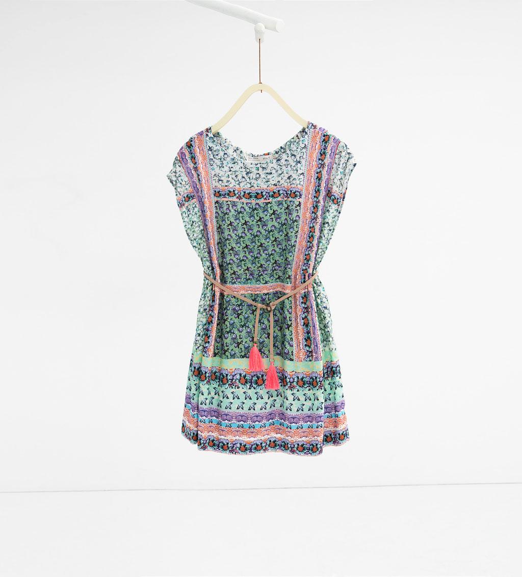 1a6743570 En el caso de que a tu pequeña le guste vestir muy femenina y coqueta,  quizás esta pueda ser la prenda que necesitas comprarle de cara a la  temporada ...