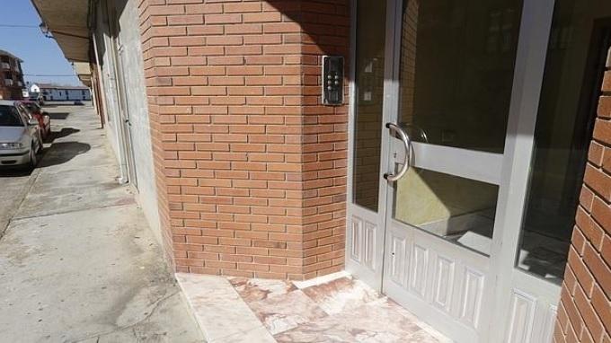 Encontrado en un portal de León un bebé abandonado