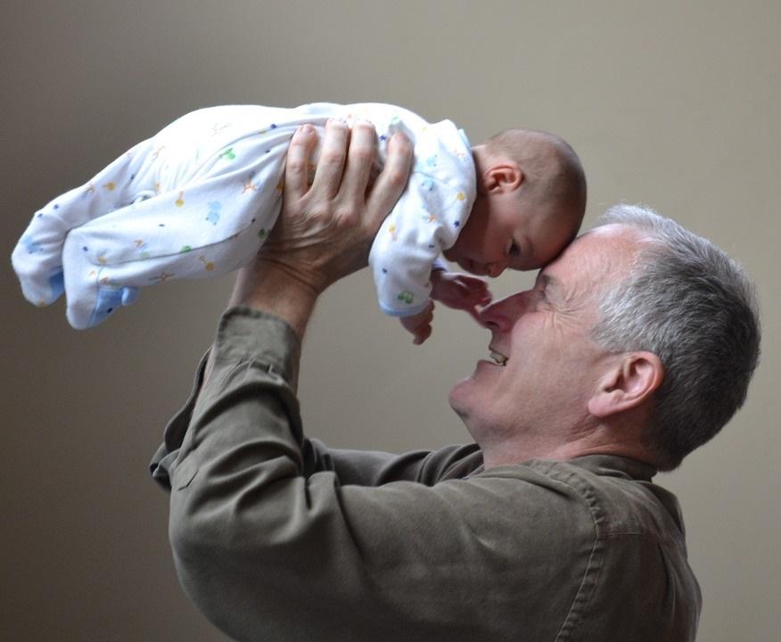 Lo que más te sorprende de tu padre ejerciendo de abuelo