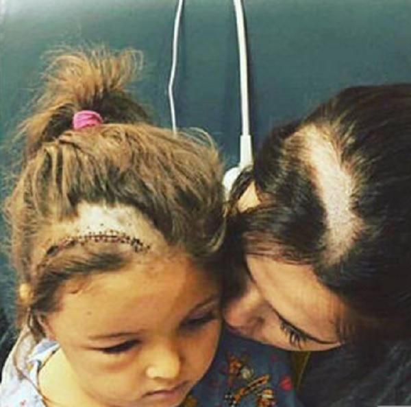 Se corta el pelo a los bebes