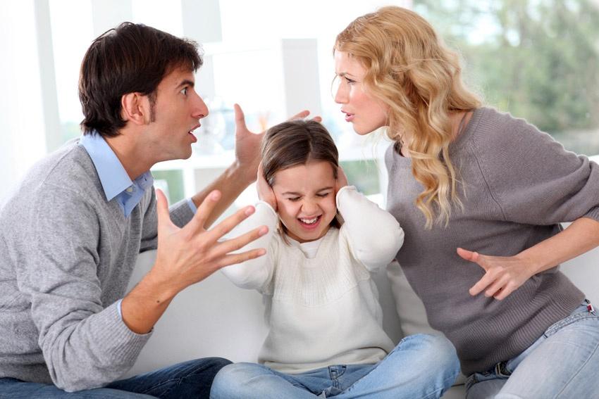 Los 10 comportamientos más nocivos de los padres que dificultan la educación de los hijos