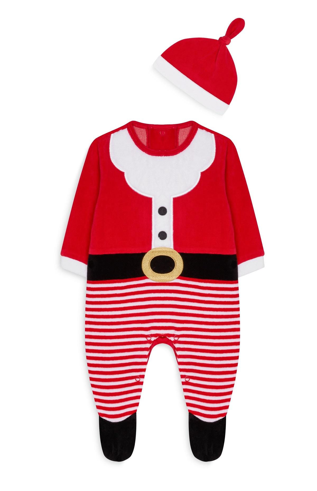 220c571ee1 Si de cara a las comidas familiares que realizaréis en Navidad quieres  vestir a tu hijo de la manera más apropiada o si quieres encontrarle el  atuendo ...