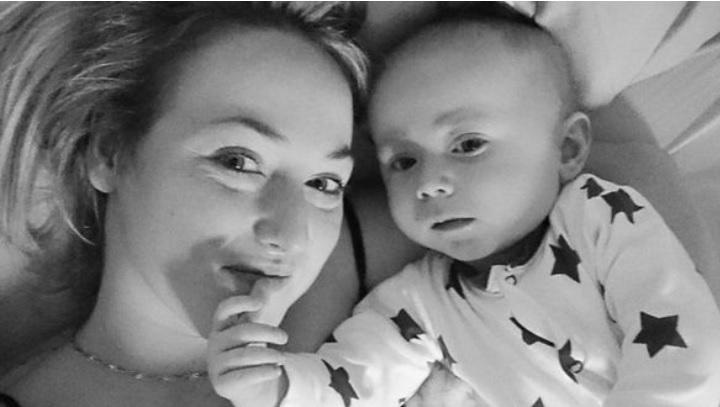 Bebé de 6 meses detecta el cáncer de su madre