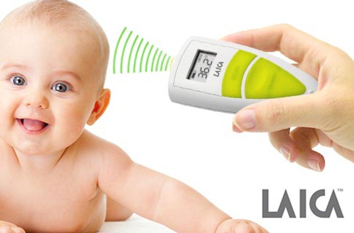 salud del bebé y termómetro