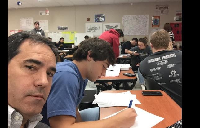 La medida del padre ante el mal comportamiento de su hijo en clase