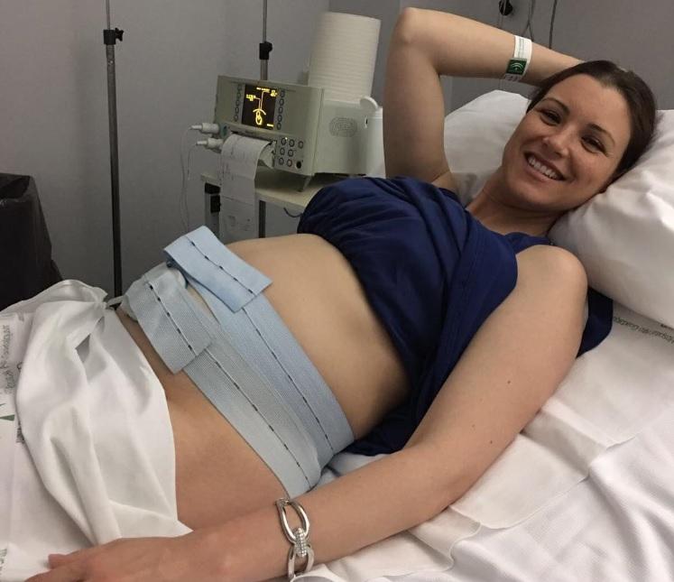 últimas Fotos De Famosas Presumiendo De Embarazo