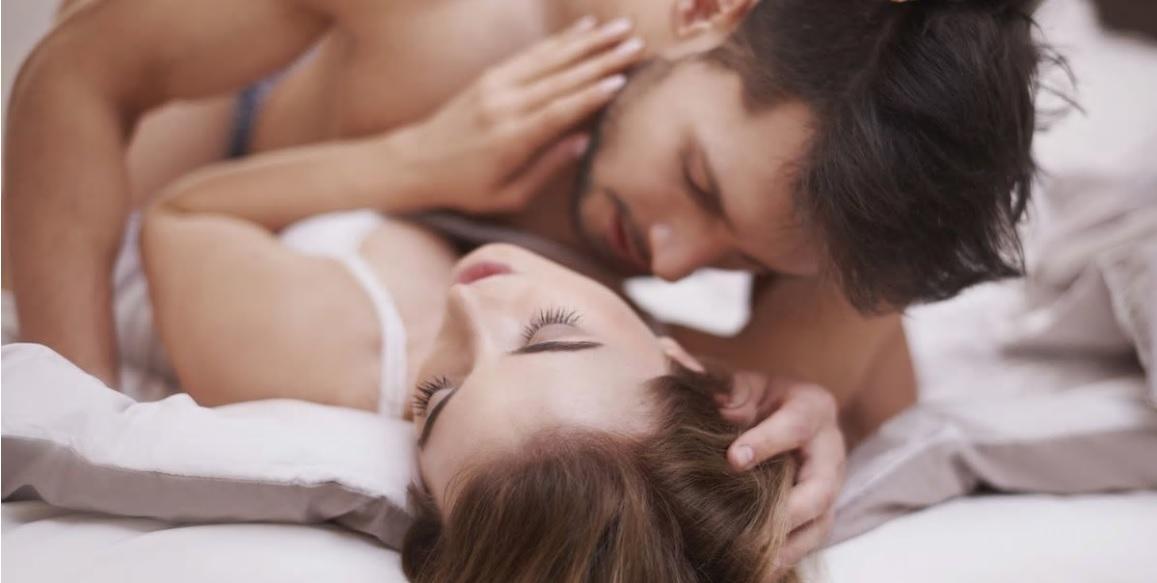 Uno de los síntomas son los dolores en ciertas posturas sexuales.