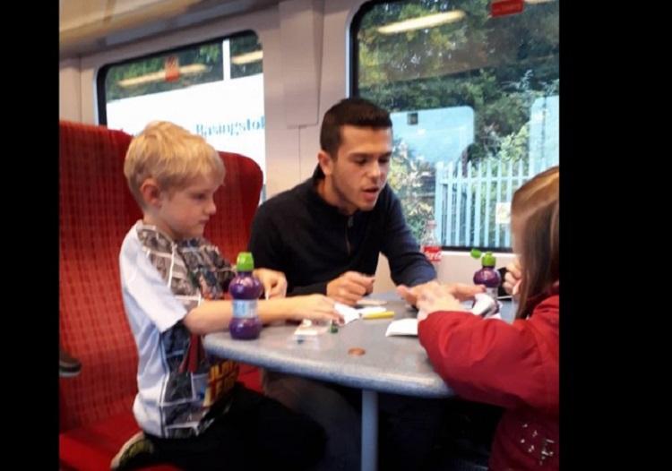 El héroe del tren que se ha hecho viral