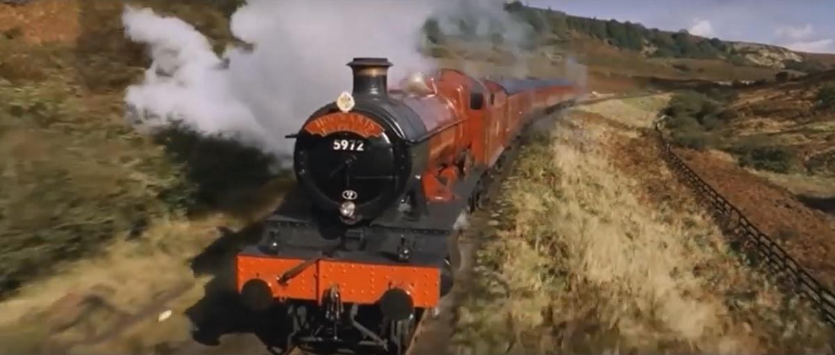 El tren Hogwarts Express en una de las películas de Harry Potter