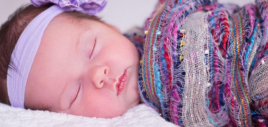 Los posicionadores para dormir a bebés tema de actualidad