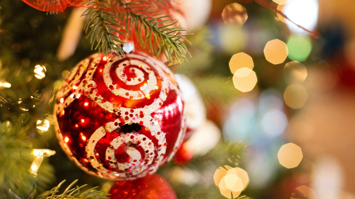 Ideas Para Decorar El Arbol De Navidad Con Tus Hijos - Como-decorar-el-arbol-navideo