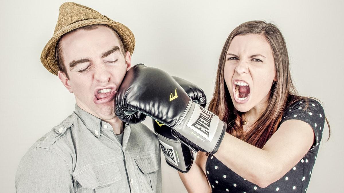Conoce qué hechos provocan discusiones en la pareja al ser padres